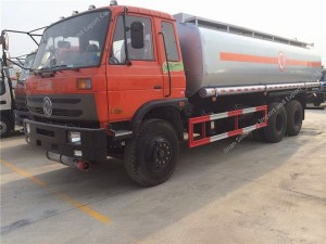Dongfeng 6×4 fuel tanker (20-25 m3)