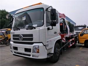 Dongfeng Tianjin wrecker truck with crane