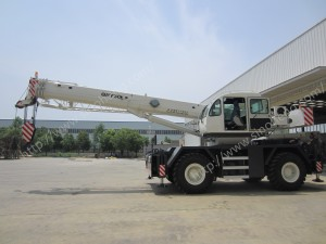 RT30 rough terrain crane