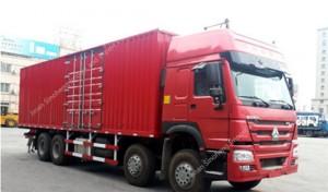 SINOTRUK HOWO 336hp Van Cargo Truck