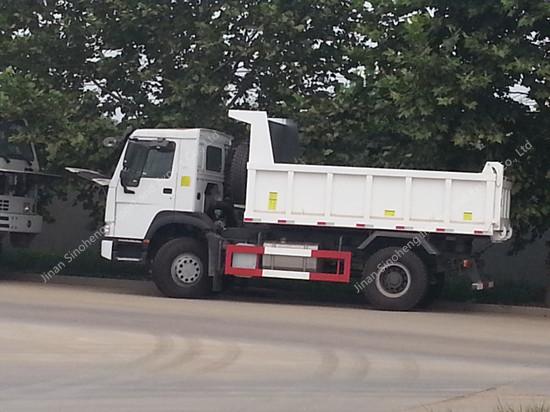 SINOTRUK HOWO 4X2 290hp Dump Truck