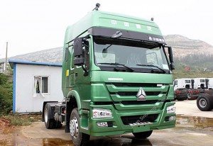 SINOTRUK HOWO 4X2 336hp Tracteur Camion