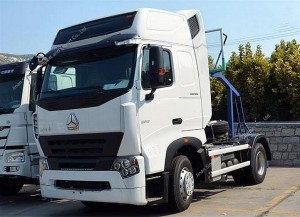 SINOTRUK HOWO A7 4X2 371hp Tractor Truck