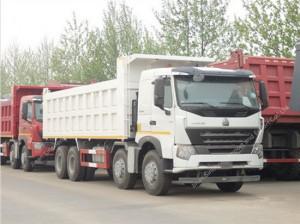 SINOTRUK HOWO A7 8 × 4 Camión Volquete